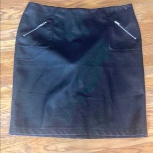 PLUS SIZE FAUX LEATHER SKIRT